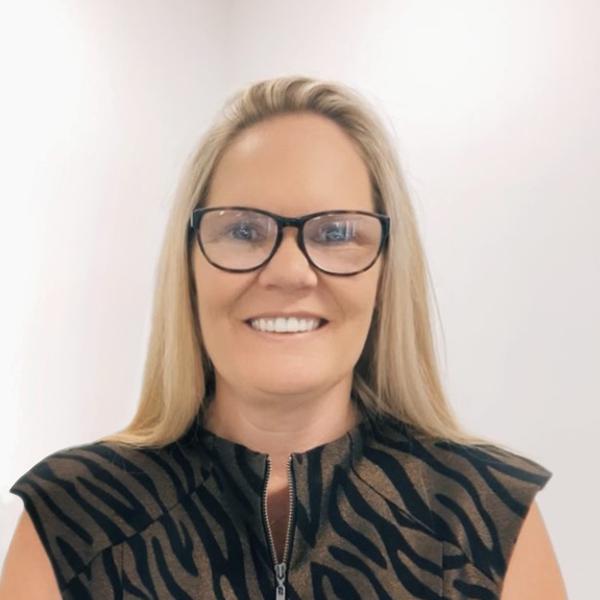 Dearne Passfield, Sales Director